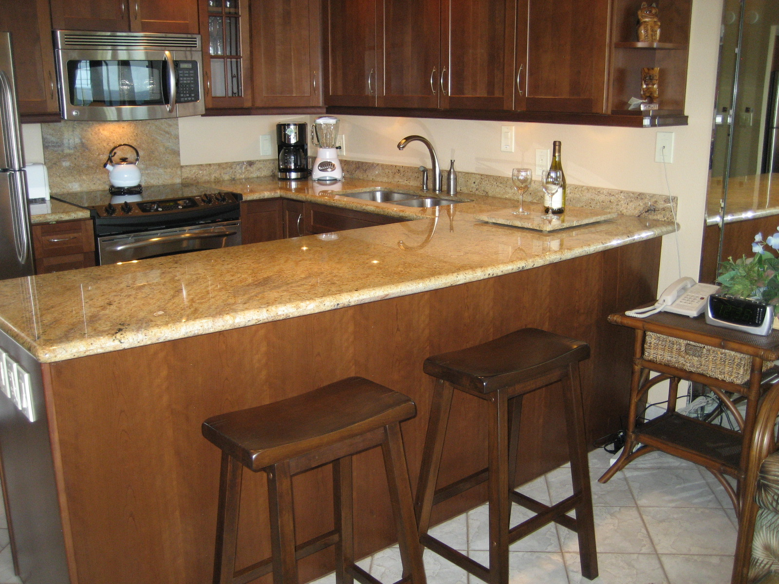 Kitchen Bar Stools with Table